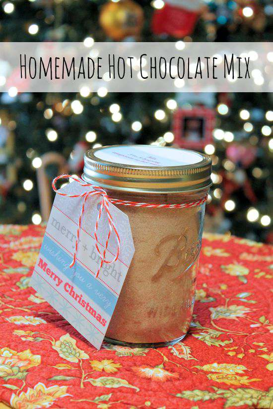 Having a supply of hot cocoa mix is a must in our house. So easy to make, easy to store and makes great gifts during the holidays #Christmas #gift #homemade