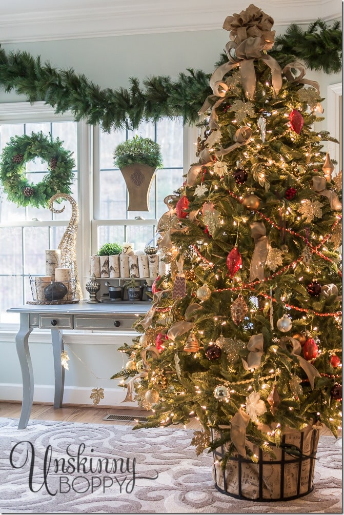 Start getting into the Christmas Spirit now with these Christmas Tree Skirt Ideas! New and exciting trends to use in your holiday decor.