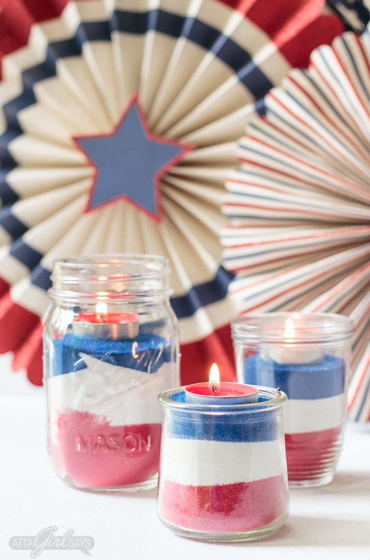 Easy to make patriotic red, white & blue mason jar crafts that you can use to decorate your home.